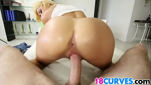 Marina, Teen blonde