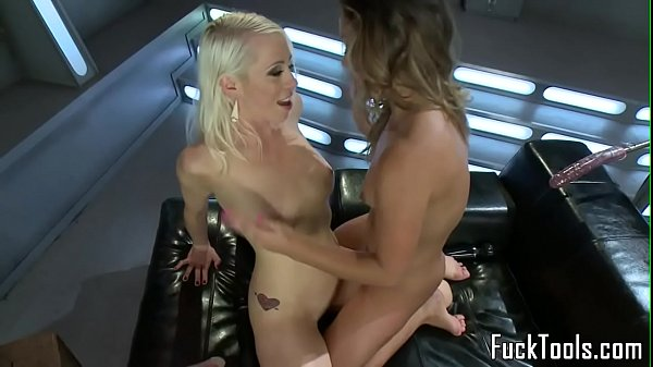 Licking pussy, Pussy lick, Dildo lesbian
