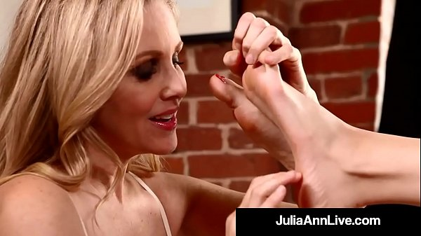 Julia ann, Julia, Feet worship, Milf anne
