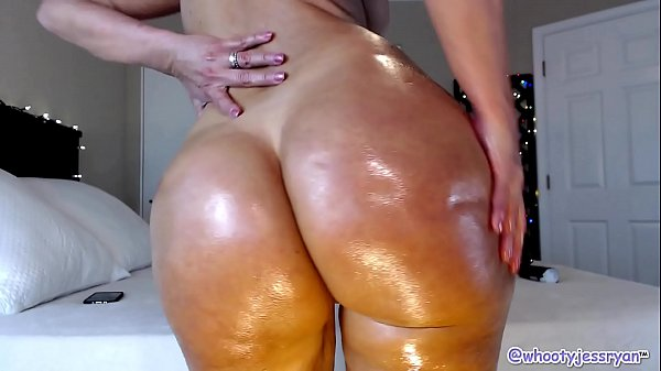 Shaking, Mom ass, Milf mom, Mom big ass, Milf ass